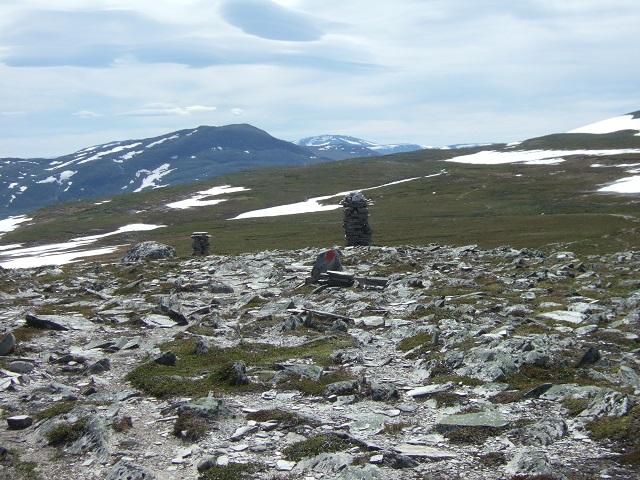 Fra Skrikhøa ser man mot fjellene rundt Gjevilvannet, der turen startet.