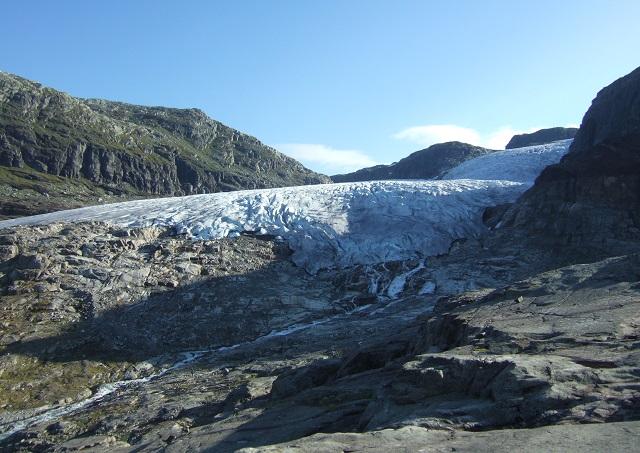 Rembesdalskåka er Hardangerjøkulens største brefall og er et mektig skue.